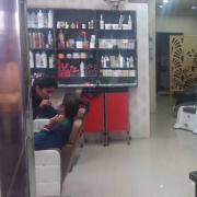 Essence Beauty Salon